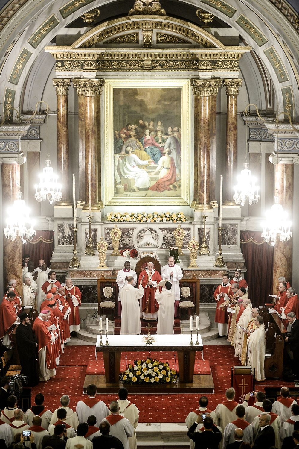 Istanbul 2014-11-29 ISTANBUL, TURKEY - NOVEMBER 29: Pope Francis (C) leads a mass at the Catholic Cathedral ...