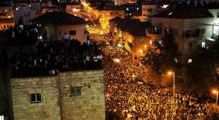 TOPSHOTS Hundreds of thousands of Ultra-Orthodox Jewish mourners attend the funeralof of Rabbi Ovadia Yosef ...
